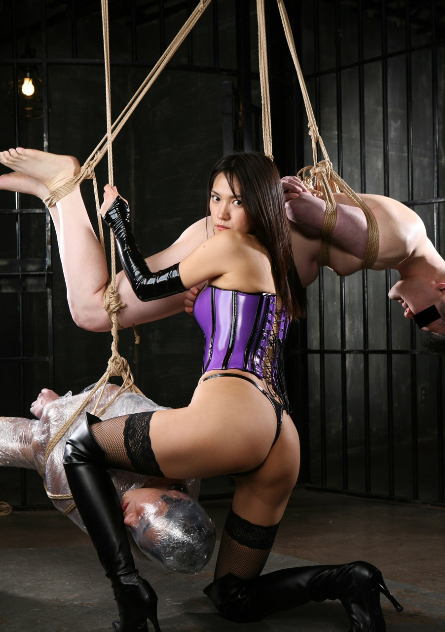 6 Kiiiiinky Ways To Explore The Softer Side Of Bondage